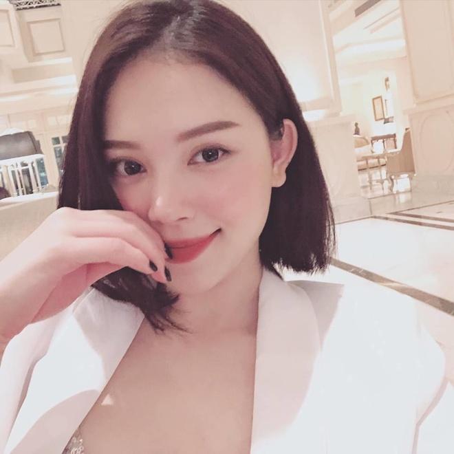 'Bạn gái tin đồn' của thiếu gia Phillip Nguyễn toàn hot girl, á hậu