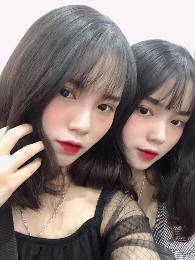 Chi em sinh doi Yen Bai anh 8