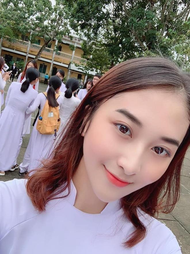 Nu sinh Hau Giang lot xac vi qua khu kem xinh va khong co ban be hinh anh 2