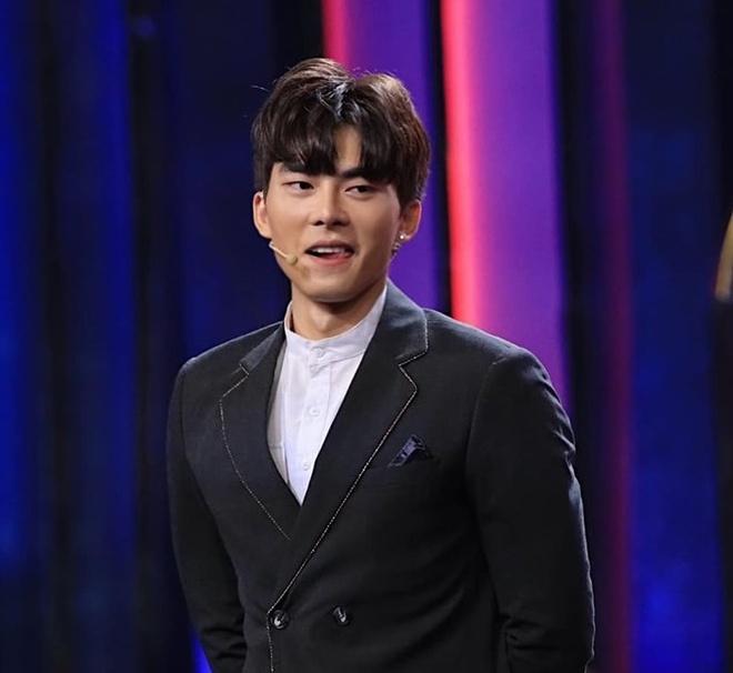 Nam chinh trong MV moi cua Bao Anh tung bi to xuc pham cong dong LGBT hinh anh 2