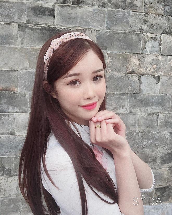 Ban gai Van Toan ngay cang goi cam, khong ngai mac do sexy hinh anh 3