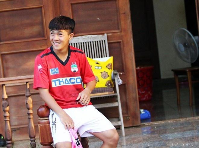 Cau thu U19 duoc fan nu khen la the he visual moi hinh anh 1