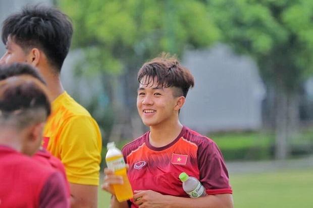 Cau thu U19 duoc fan nu khen la the he visual moi hinh anh 2