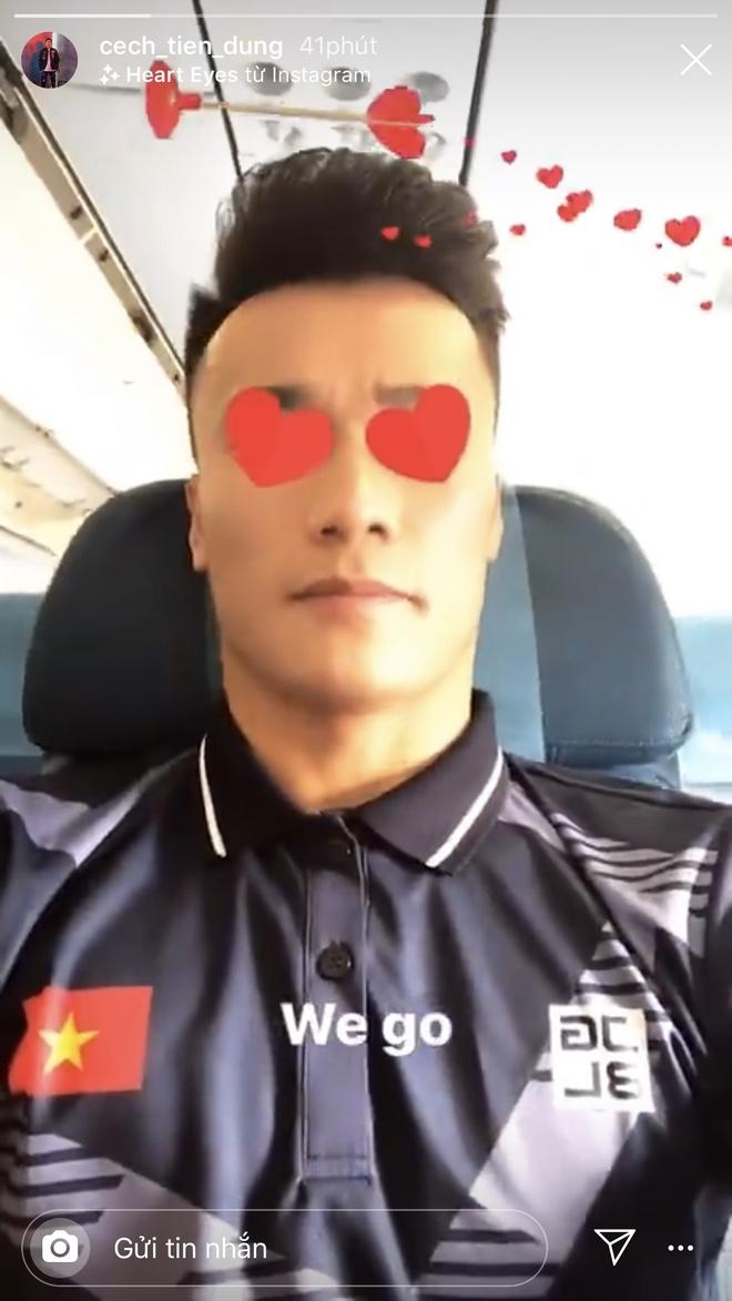 Tien Linh, Van Hau, Tien Dung thoai mai check-in khi toi Philippines hinh anh 7