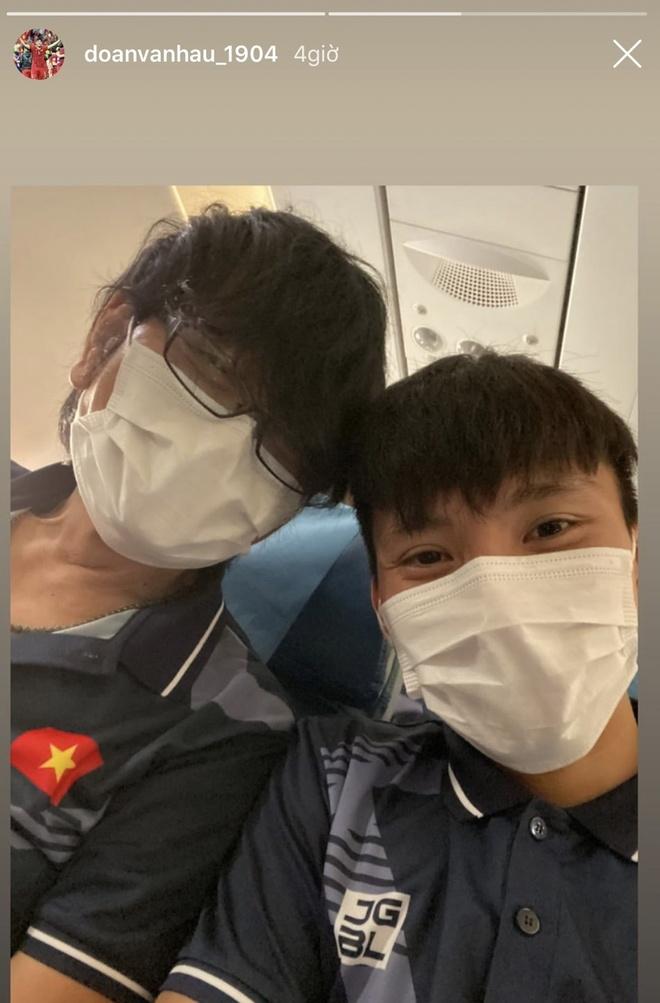 Tien Linh, Van Hau, Tien Dung thoai mai check-in khi toi Philippines hinh anh 4