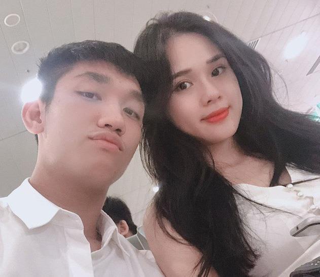 Trong Dai mua qua cho ban gai khi tro ve tu Thai Lan hinh anh 2 1534235511765bangaiu23trongdaivadansaonucophatngonhuyentrang111534228614width1024height12801562311285136172167740715651428189011030317650.jpg
