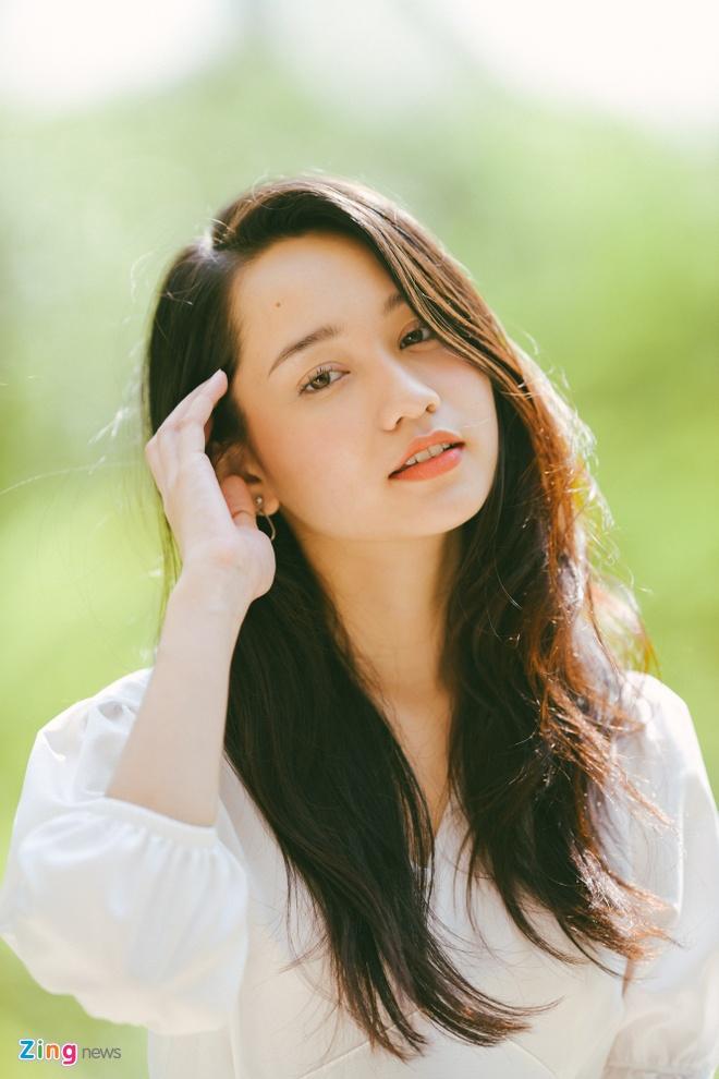 Ha Lan, Tra Long, Hong 'Mat biec' thuong khoe anh mat moc hinh anh 2 trucanh5_zing.jpg