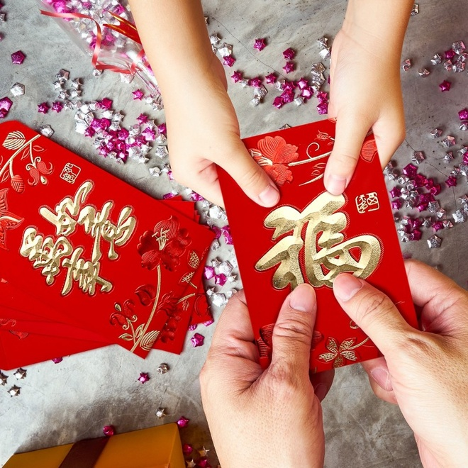 Li xi ngay Tet, tang sao cho du, cam on sao cho sang hinh anh 3 whaline_120_pieces_chinese_red_envelopes_hongbao_2020_year_chinese_mouse_lucky_money_pockets_for_party_wedding_and_chinese_new_year_6_styles_45_x_32_inches.jpg