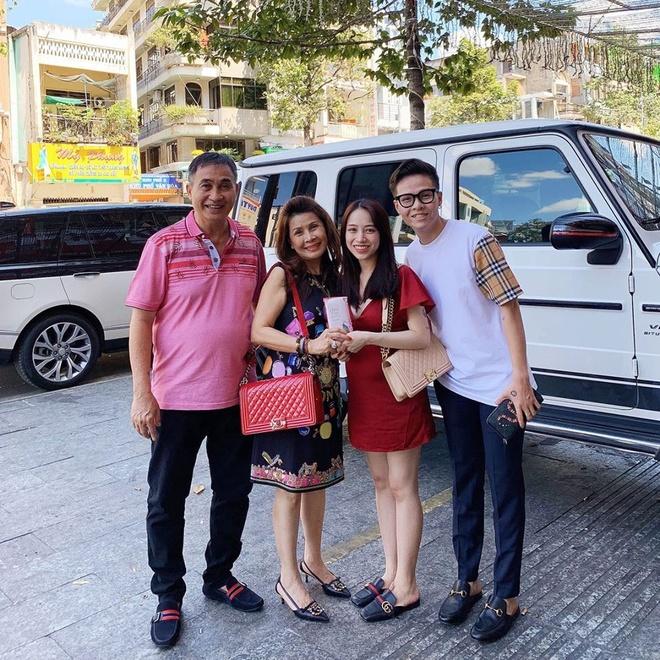 Vo Bui Tien Dung, con gai Minh Nhua khoe li xi tram trieu dip Tet hinh anh 8 82139478_2428340344097070_7822727242544464490_n.jpg