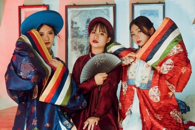 Học sinh Nam Định mặc cổ phục Việt Nam chụp kỷ yếu - Giới trẻ