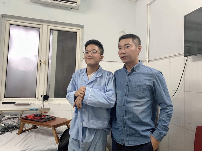 con trai nghe si Viet anh 3