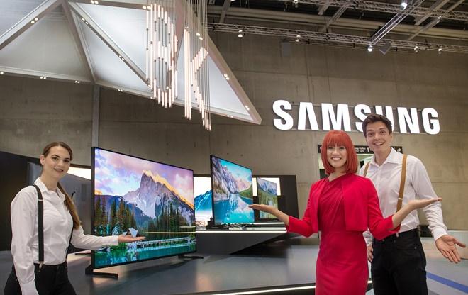 Samsung, LG ham nong cuoc dua TV 8K hinh anh
