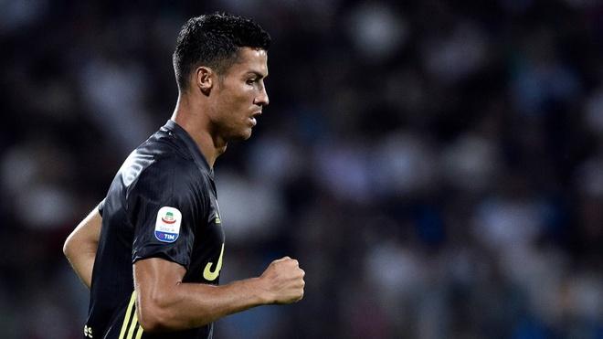 Ronaldo lam kho game FIFA nhu the nao? hinh anh 3