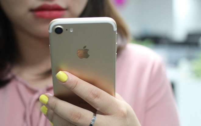 Apple nhuong bo Qualcomm de duoc ban iPhone tro lai hinh anh
