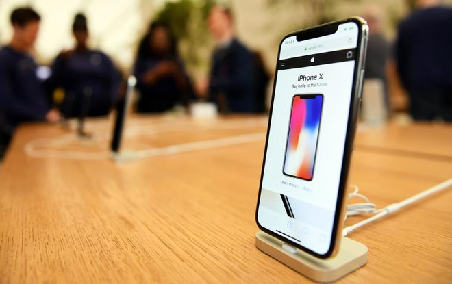 Doi ca thung iPhone gia lua Apple, kiem gan trieu USD hinh anh 1