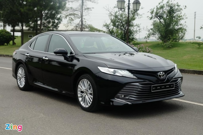 Vi sao Toyota Camry 2019 o VN van dung dong co cu anh 1