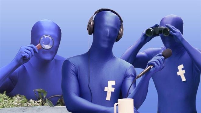 Nhiều người tin rằng Facebook nghe lén những cuộc trò chuyện của họ để quảng cáo. Ảnh: WSJ.