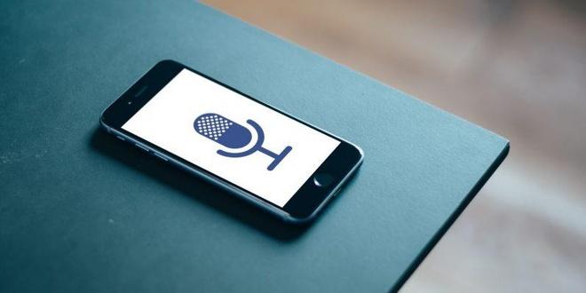 Tin đồn Facebook nghe lén người dùng đã xuất hiện từ lâu. Ảnh: Dribbble.