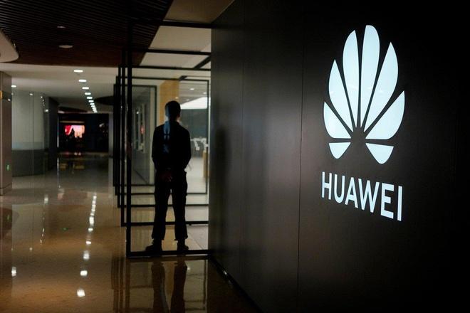 Giua tam bao, Huawei van lam mang 5G cho Nga hinh anh 2