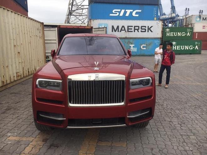 Rolls-Royce Cullinan thu tu ve VN, mau doc, gia hon 41 ty hinh anh 1