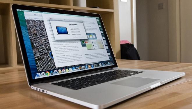 MacBook Pro bi cam mang len may bay vi de chay no hinh anh 1
