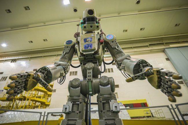 Robot giong het con nguoi vua duoc Nga phong len khong gian hinh anh 1