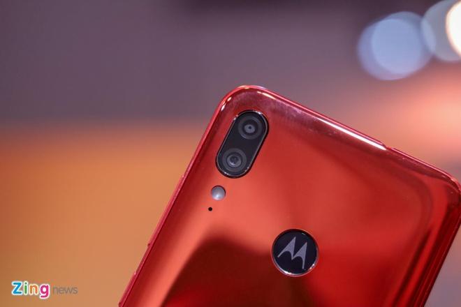 Motorola gioi thieu Moto One Zoom, cum camera nhu Note10+ hinh anh 8