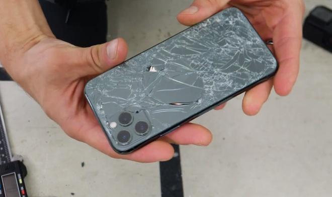 Kinh 'ben nhat the gioi' tren iPhone 11 gay tranh cai hinh anh 2