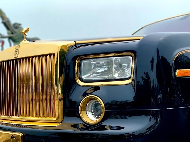 Dai gia Ha Noi ban Rolls-Royce Phantom 10 nam tuoi ma vang gia 15, 5 ty anh 2