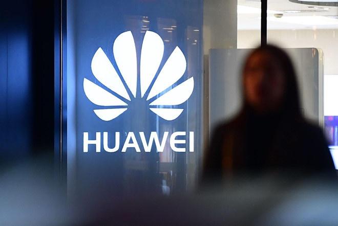 Ong Trump sap giai cuu Huawei hinh anh 1