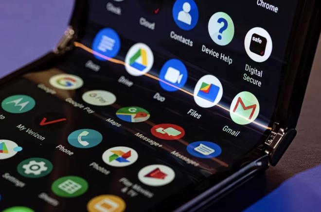 Motorola RAZR 2019 ra mat - huyen thoai nap gap tro lai hinh anh 3