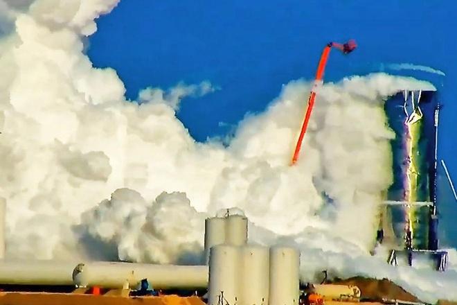 Ten lua SpaceX no tung trong lan thu dau tien hinh anh