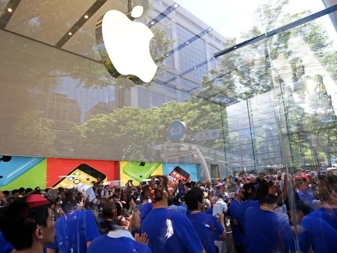 Apple sap het iPhone de tra bao hanh vi dich Covid-19 hinh anh 1 Apple_store.jpg