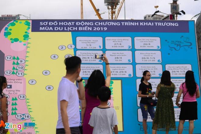 375.000 luot khach den Da Nang dip le 30/4-1/5 hinh anh 1