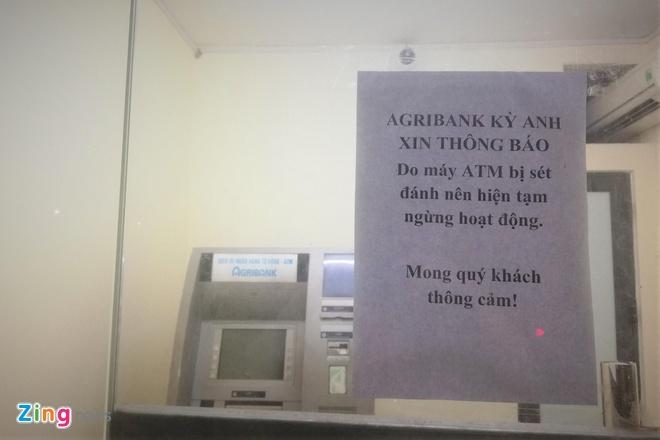 Hang loat ATM te liet truoc gio bao so 4 do bo hinh anh 1