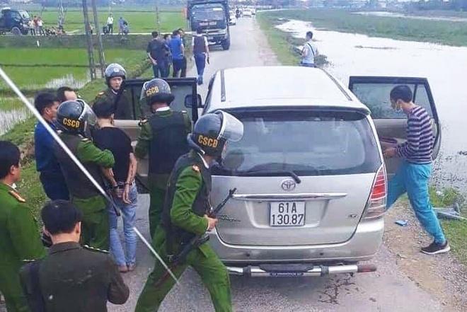 Hang chuc canh sat vay xe Innova cho 45 kg ma tuy hinh anh 1 11111.jpg