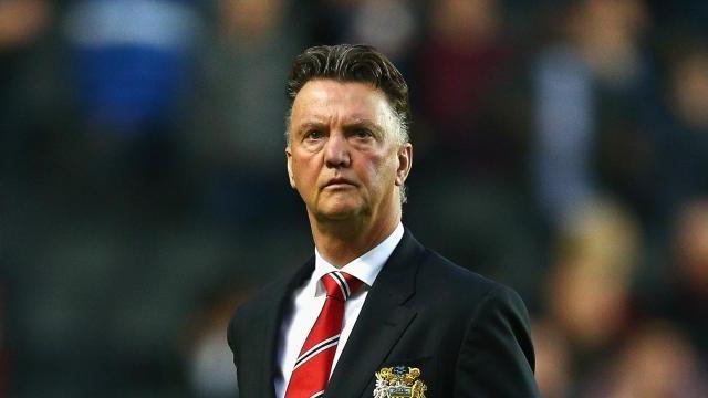Goi Man Utd la sat nhan, Gary Neville bi Van Gaal canh cao hinh anh