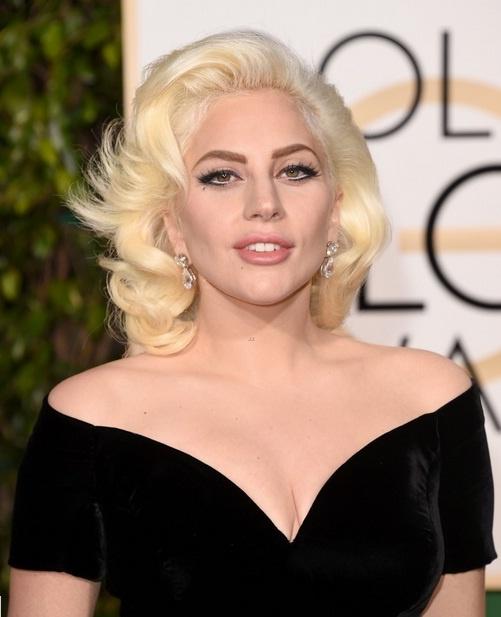 Lady Gaga la lam voi mau toc cam trong phim moi hinh anh 2