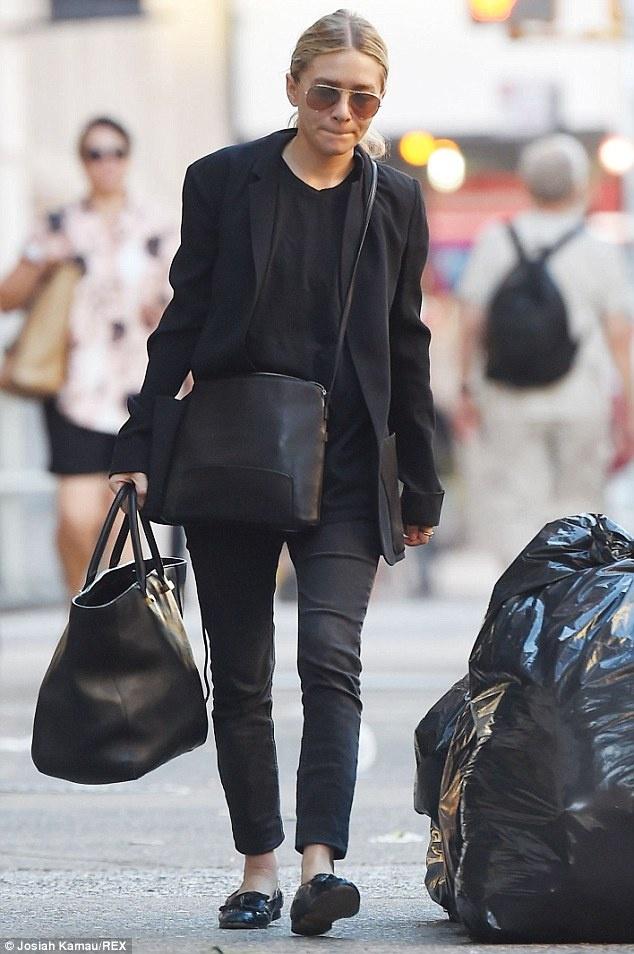 Angelina Jolie huong ung trao luu tui xach doi hinh anh 4