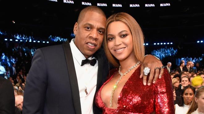 Vo chong Beyonce di xe may o Jamaica hinh anh 3