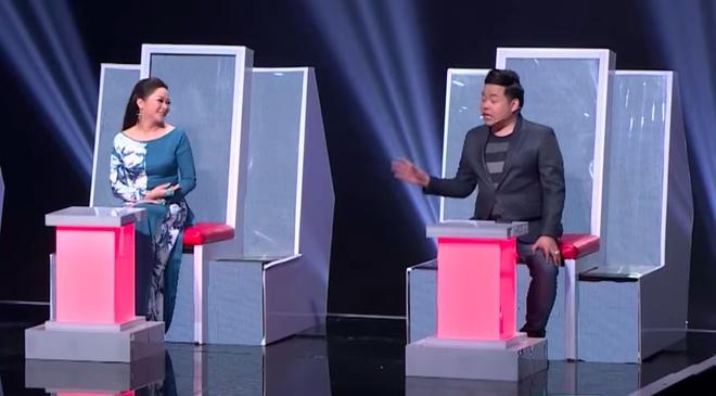 Nhu Quynh 'da deu' Quang Le: Em muon chi mac quan jeans voi ao dai? hinh anh