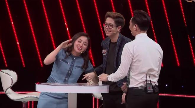 Van Mai Huong cuoi lan lon vi giong hat tham hoa cua Nhan Phuc Vinh hinh anh