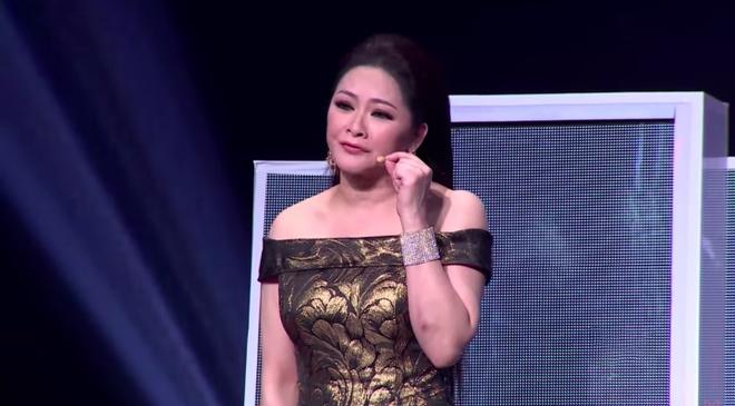Quang Le than tuong Nhu Quynh, vi dan chi la 'Hoa hau Bolero' hinh anh