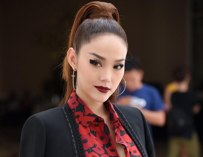 Minh Hang va HLV The Face la nhan vat quyen luc nhat Internet tuan qua hinh anh
