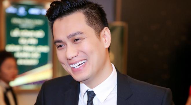 Viet Anh 'Nguoi phan xu' hot nhat Internet Viet sau on ao voi Que Van hinh anh