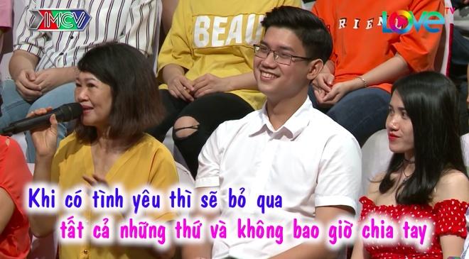 Hai 'em trai quoc dan' gay chu y tai 'Ban muon hen ho' hinh anh