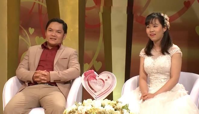 Chong an tuong voi vo vi de toc giong NSUT Minh Vuong hinh anh