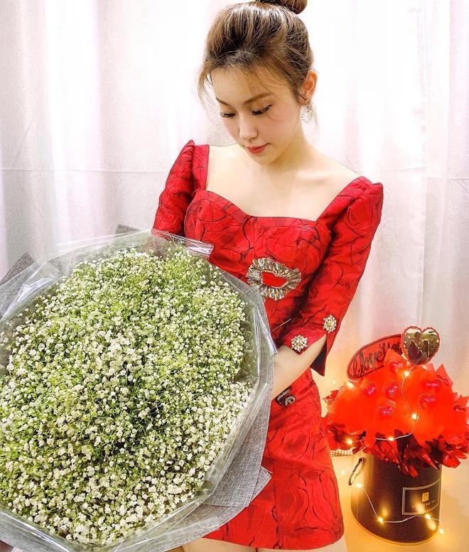 Kien Hoang tang qua vo luc nua dem, nha JustaTee tron con di choi 14/2 hinh anh 15