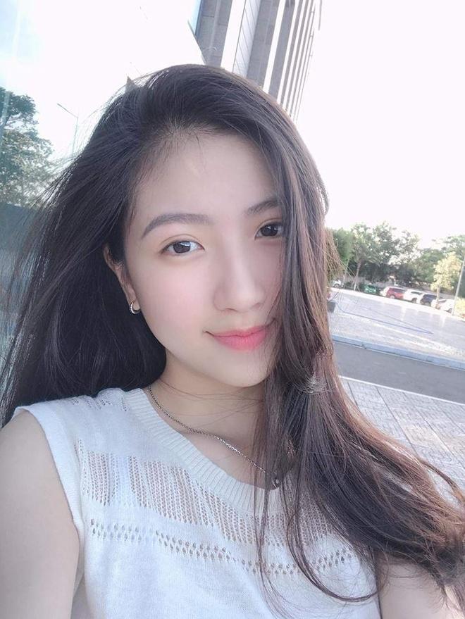 Nu sinh truong Y khong dam nhan hot girl, khong co y dinh thi sac dep hinh anh 3