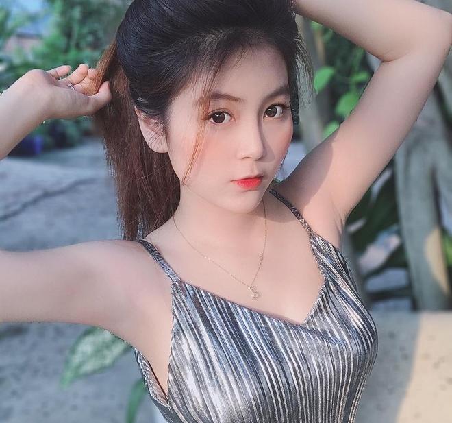 Hot girl DH Su Pham goi cam, so do 3 vong chuan khong kem nguoi mau hinh anh 1